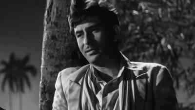 Hum Tujhse Mohabbat Karke Sanam