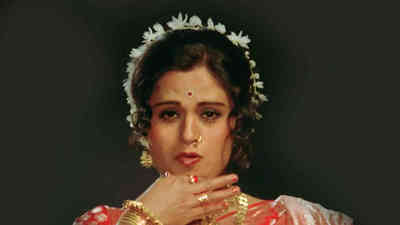 Ishkachi Me Dholaki - Usha Chavan