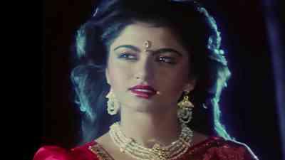 Tanha Dil Ghabrata Hai